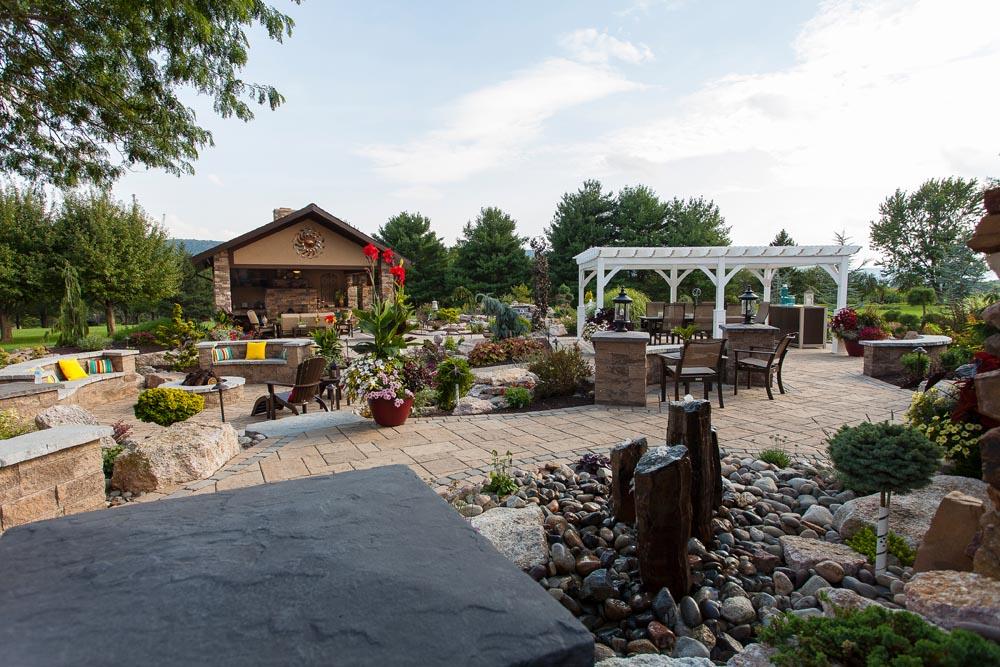 Outdoor Kitchen Area-2835